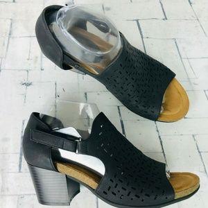 Eurosoft by Sofft Addley Black Open Toe Sandals